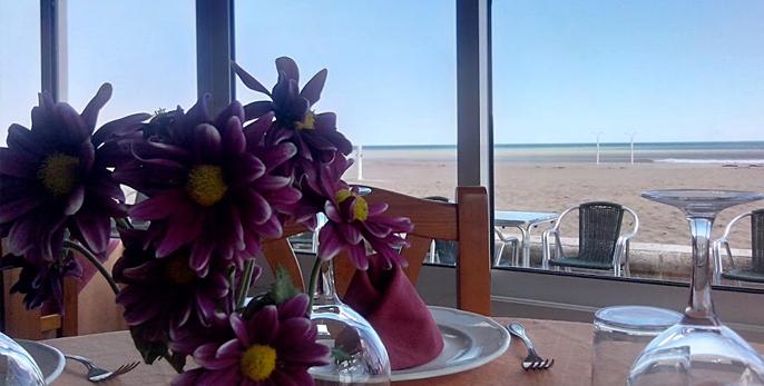 Restaurante en la malvarrosa, playa de Valencia